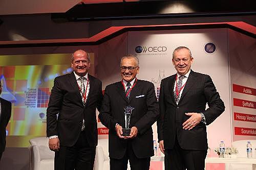 Talha Çamaş, TÜSİAD Başkanı Muharrem Yılmaz ve TOFAŞ CEO'su Kamil Başaran ile_rsz.jpg